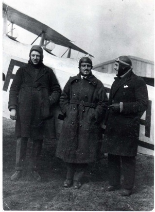 From the left: Ing. Amédée Jancel, chief pilot Albert Deullin and dieroctor of company Pierre de Fleurieu before the flight to Prague and Warsaw. Source: Musée Air France